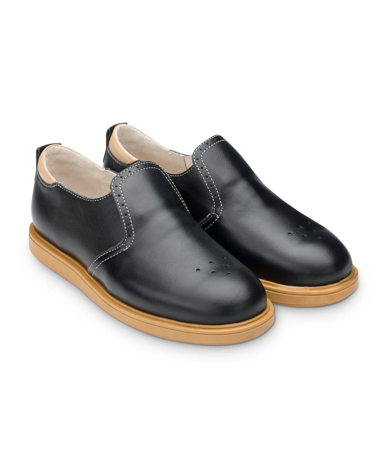 Полуботинки Детские, Tapiboo Степ (44472, 31 )Обувь для школы<br>Классические полуботинки для ежедневной <br>профилактики плоскостопия. Многослойная, <br>анатомическая стелька со сводоподдерживающим <br>элементом для правильного формирования <br>стопы. Благодаря использованию современных <br>внутренних материалов позволяет оптимально <br>распределить нагрузку по всей площади стопы <br>и свести к минимуму ее ударную составляющую. <br>Жесткий фиксирующий задник надежно стабилизирует <br>голеностопный сустав во время ходьбы. Упругая, <br>умеренно-эластичная подошва, имеющая перекат <br>позволяющий повторить естественное движение <br>стопы при ходьбе для правильного распределения <br>нагрузки на опорно-двигательный аппарат <br>ребенка. Подкладка из натуральной кожи <br>обладает мягкостью и природной способностью <br>пропускать воздух для создания оптимального <br>температурного режима (нога не потеет).<br>Размер INT: M; Цвет: Красный; Ширина: 100; Высота: 200; Вес: 1000;