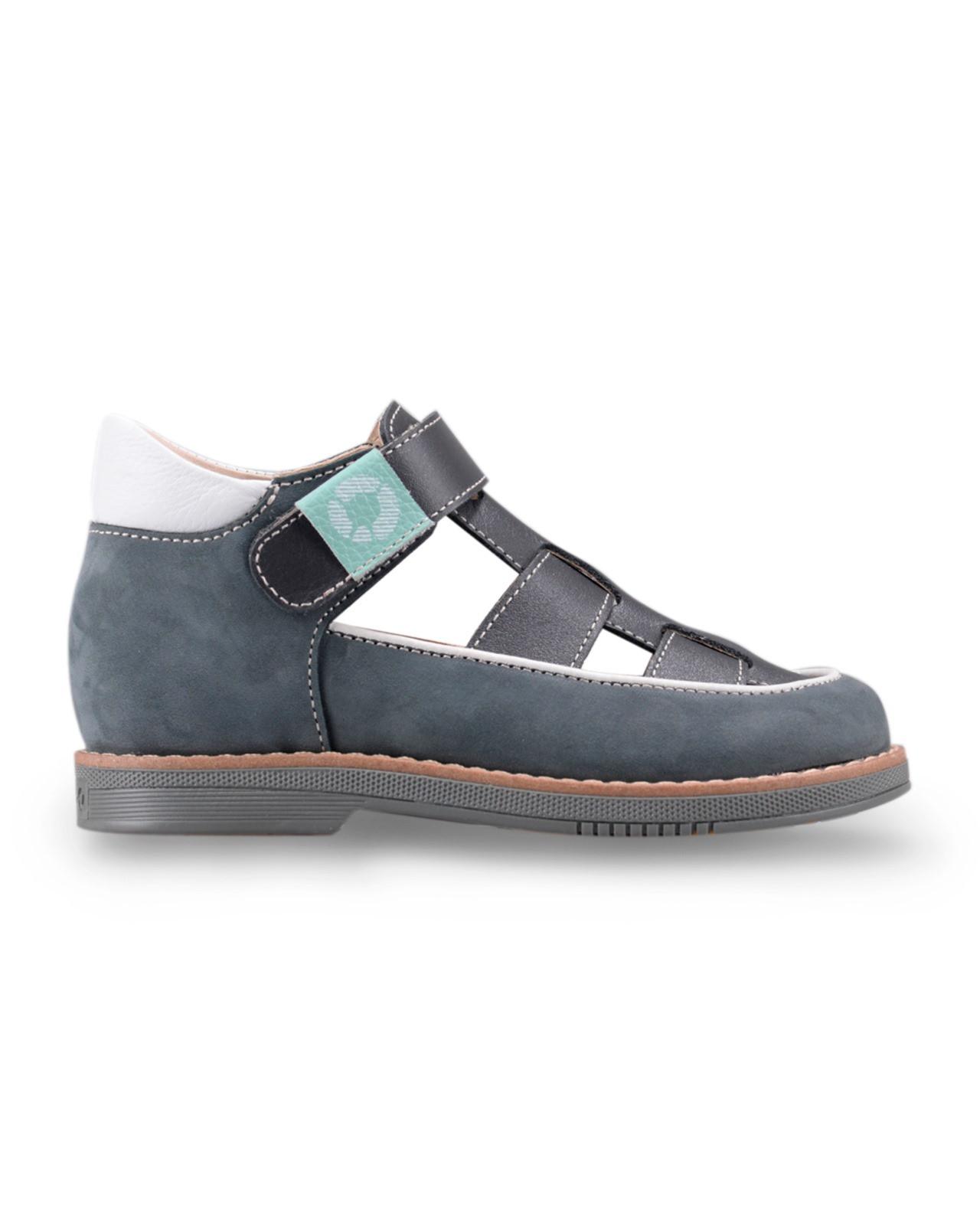 Туфли Детские, Tapiboo Ива (43280, 27 )Туфли<br>Туфли для ежедневной профилактики плоскостопия. <br>Идеальны как сменная обувь в детский сад <br>и начальную школу. Широкий, устойчивый каблук, <br>специальной конфигурации «каблук Томаса». <br>Каблук продлен с внутренней стороны до <br>середины стопы, чтобы исключить вращение <br>(заваливание) стопы вовнутрь (пронационный <br>компонент деформации, так называемая косолапость, <br>или вальгусная деформация). Многослойная, <br>анатомическая стелька со сводоподдерживающим <br>элементом для правильного формирования <br>стопы. Благодаря использованию современных <br>внутренних материалов позволяет оптимально <br>распределить нагрузку по всей площади стопы <br>и свести к минимуму ее ударную составляющую. <br>Жесткий фиксирующий задник с удлиненным <br>«крылом» надежно стабилизирует голеностопный <br>сустав во время ходьбы, препятствуя развитию <br>патологических изменений стопы. Упругая, <br>умеренно-эластичная подошва, имеющая перекат <br>позволяющий повторить естественное движение <br>стопы при ходьбе для правильного распределения <br>нагрузки на опорно-двигательный аппарат <br>ребенка. Подкладка из кож<br>Размер INT: M; Цвет: Красный; Ширина: 100; Высота: 200; Вес: 1000;
