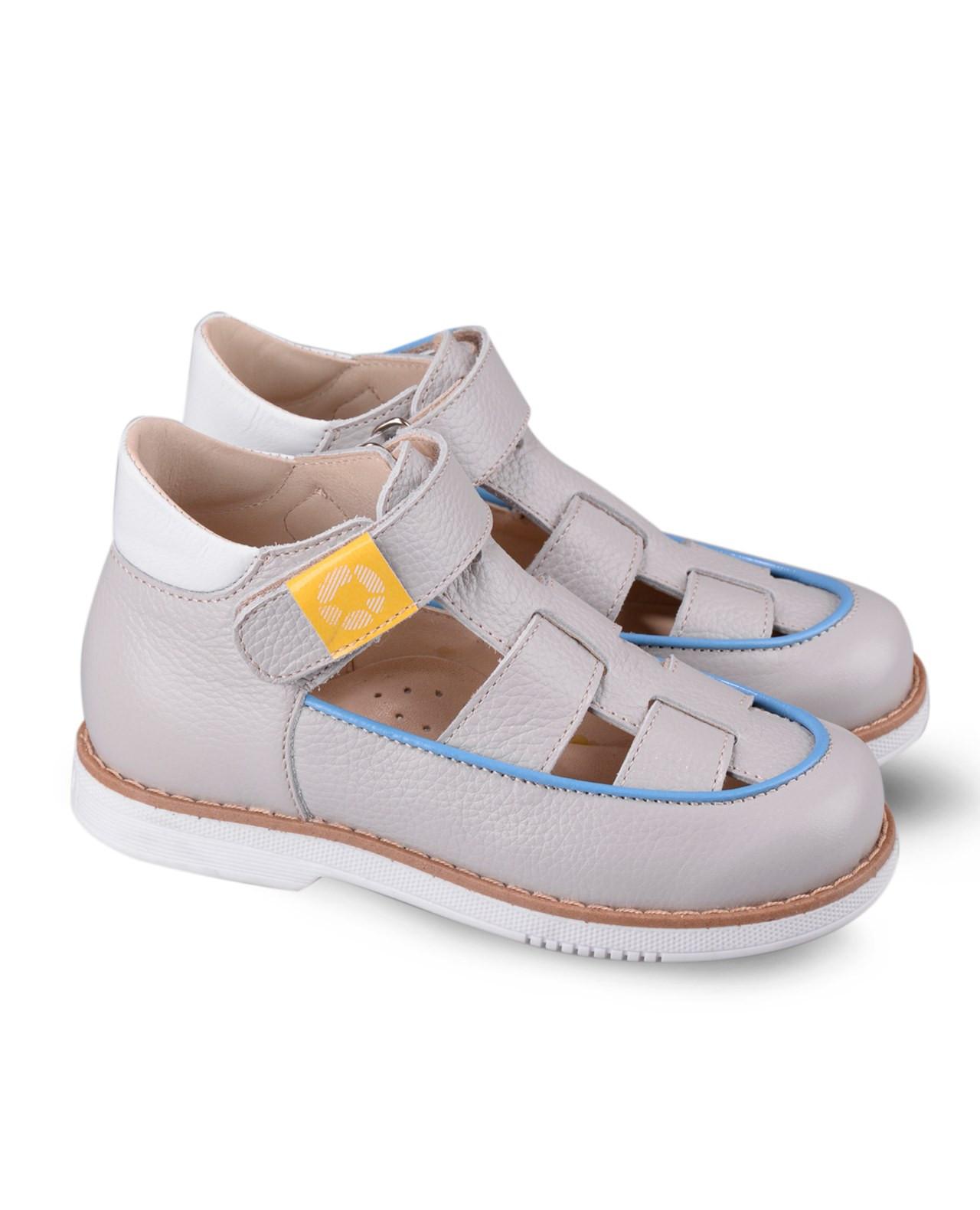 Туфли Детские, Tapiboo Сладкая ВатаТуфли<br>Туфли для ежедневной профилактики плоскостопия. <br>Идеальны как сменная обувь в детский сад <br>и начальную школу. Широкий, устойчивый каблук, <br>специальной конфигурации «каблук Томаса». <br>Каблук продлен с внутренней стороны до <br>середины стопы, чтобы исключить вращение <br>(заваливание) стопы вовнутрь (пронационный <br>компонент деформации, так называемая косолапость, <br>или вальгусная деформация). Многослойная, <br>анатомическая стелька со сводоподдерживающим <br>элементом для правильного формирования <br>стопы. Благодаря использованию современных <br>внутренних материалов позволяет оптимально <br>распределить нагрузку по всей площади стопы <br>и свести к минимуму ее ударную составляющую. <br>Жесткий фиксирующий задник с удлиненным <br>«крылом» надежно стабилизирует голеностопный <br>сустав во время ходьбы, препятствуя развитию <br>патологических изменений стопы. Упругая, <br>умеренно-эластичная подошва, имеющая перекат <br>позволяющий повторить естественное движение <br>стопы при ходьбе для правильного распределения <br>нагрузки на опорно-двигательный аппарат <br>ребенка. Подкладка из кож<br>Размер INT: M; Цвет: Красный; Ширина: 100; Высота: 200; Вес: 1000;